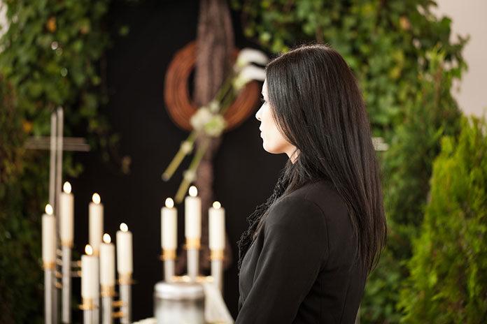 Jak napisać mowę pogrzebową?